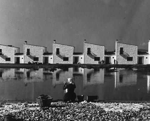 Un camino de modernidad en la Arquitectura de los poblados de colonización de José Luis Fernández Del Amo