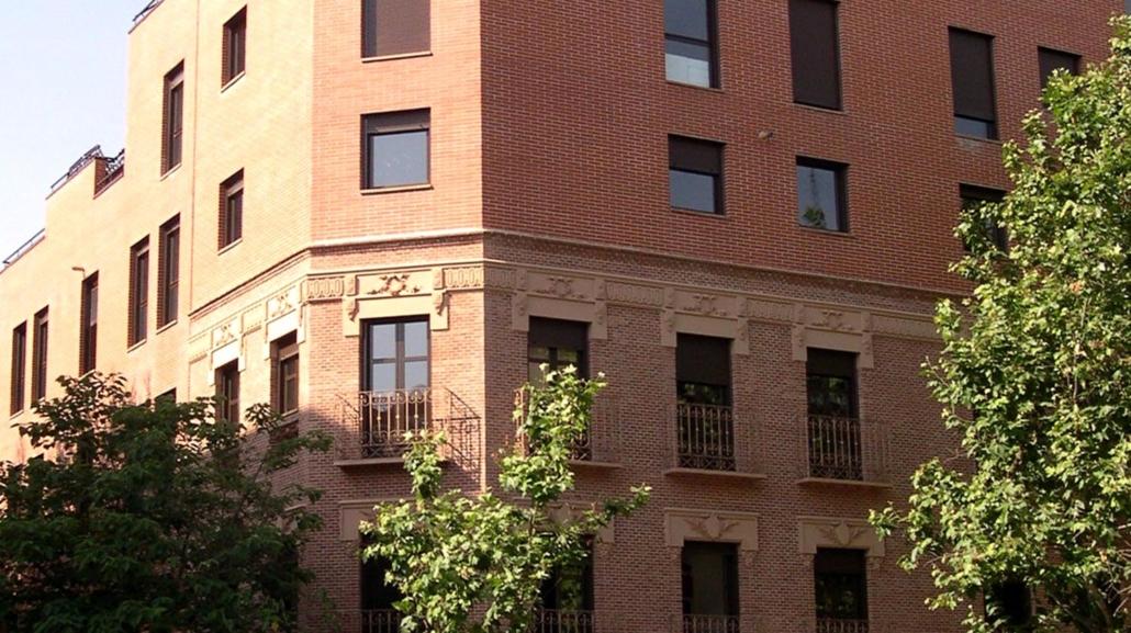Ampliación de edificio de viviendas en la calle Alcalá 302 y 304. Madrid