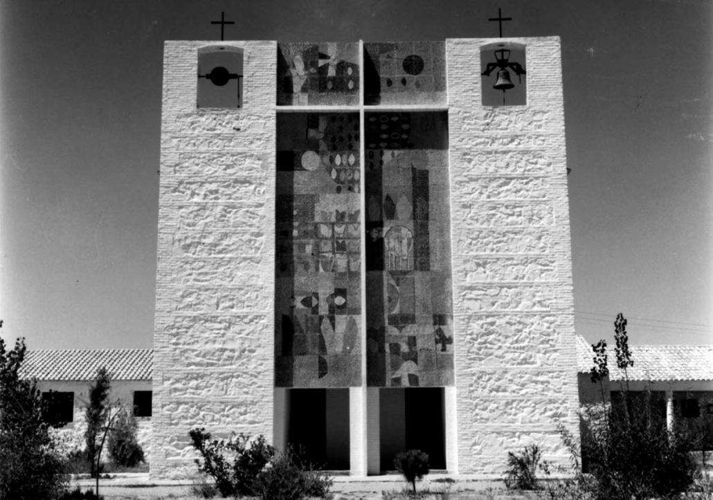 Las Iglesias en los Pueblos de Colonización.