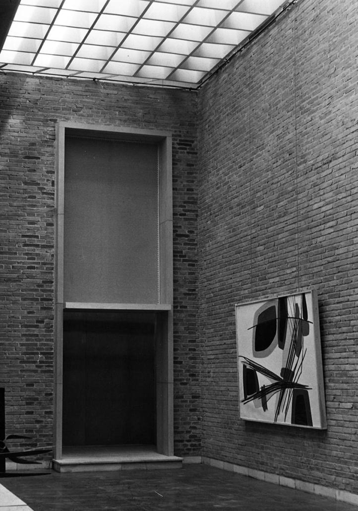 Salas del Museo de Arte Contemporáneo, Biblioteca Nacional. Madrid.