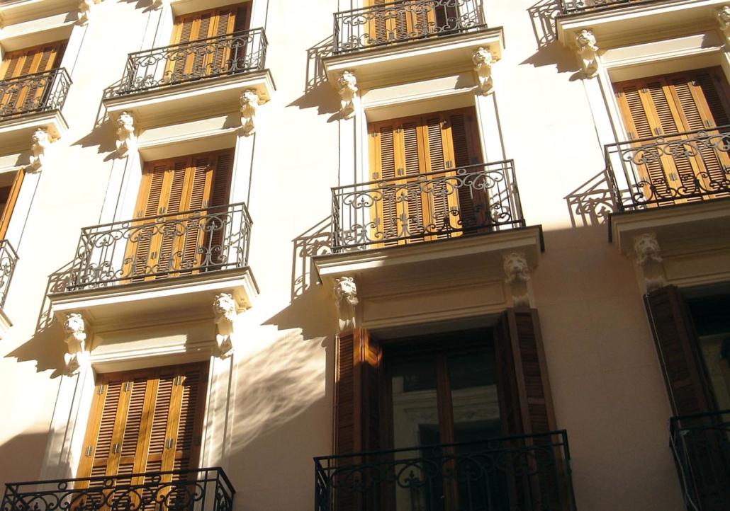 REESTRUCTURACIÓN TOTAL DEL EDIFICIO DE LA CALLE CONDE DE XIQUENA 6, C/V A LA CALLE ALMIRANTE. MADRID.